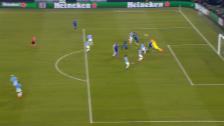 Link öffnet eine Lightbox. Video Der 2. Penalty für Schalke: Salif Sané wird gefoult abspielen