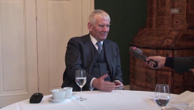 Video «Otto Schily zum Schutz der eigenen Grenzen» abspielen