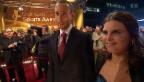 Video «Schaulaufen der Sport-Stars: Am roten Teppich der «Sports Awards»» abspielen