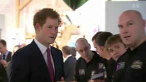 Video «Wieder auf dem Markt: Prinz Harry» abspielen
