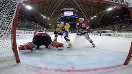 Video «Eishockey: Spengler Cup 2015, Davos-Jekaterinburg, 1:2 Setoguchi» abspielen