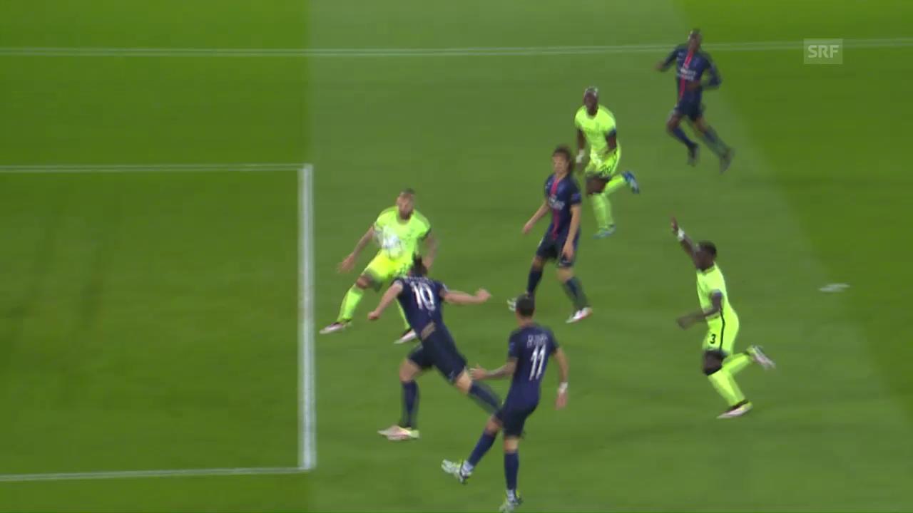 Ibrahimovic scheitert mit einem Kopfball aus bester Position