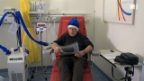 Video «Nicht alle bekommen neue Krebstherapie» abspielen