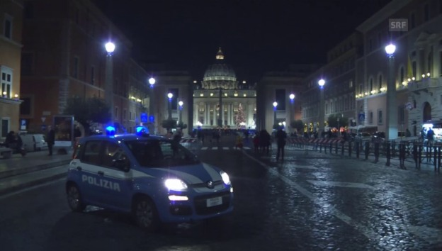 Video «Grosses Polizeiaufgebot am Petersdom» abspielen