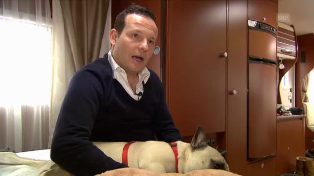 Video «Claudio Zuccolini über die Macken seines Hundes und Bühnenpartners» abspielen