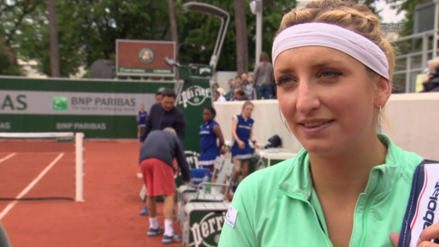 Video «Bacsinszky nach ihrem Erstrundensieg im Interview» abspielen