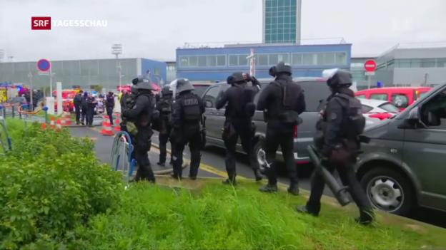 Video «Versuchtes Attentat an Pariser Flughafen» abspielen