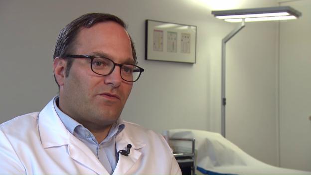 Video «Kinderorthopäde Hannes Manner zum Komfort von Buggys» abspielen