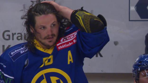 Video «Dino Wieser zeigt seine Haarpracht» abspielen