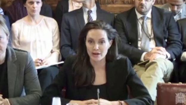 Video «Jolie setzt sich für Missbrauchsopfer ein» abspielen