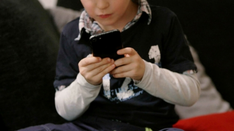 So beeinflussen Smartphones und Sprachroboter unsere Kinder