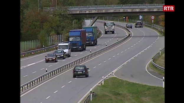 Laschar ir video «TSG 25.10.2001 La situaziun dal traffic pesant»