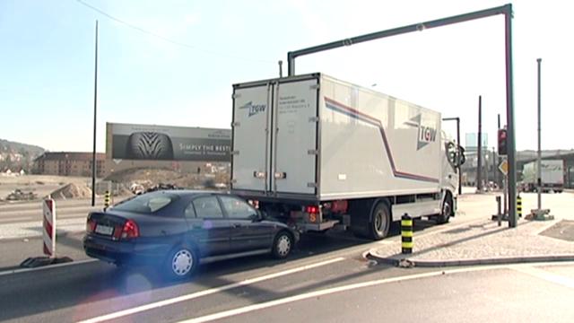 Lebensgefährliche Lastwagen: Ungenügender Auffahrschutz