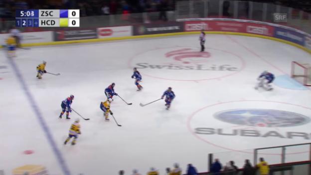 Video «Eishockey: 3. Playoff-Final 2015, ZSC - HCD, 0:1 Ambühl» abspielen