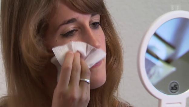 Video «Abschminktücher im Test: Praktisch, aber auch sauber?» abspielen