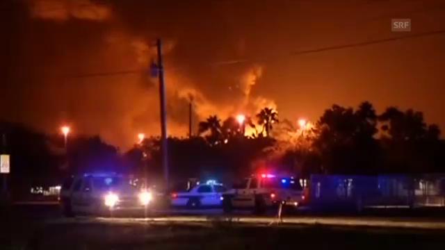 Florida: Explosionen erhellen den Nachthimmel (unkommentiert)