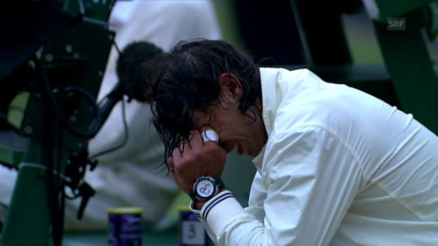 Video «Nadal stürzt «King Roger» im Jahr 2008» abspielen