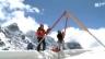 Video «Die Bergretter im Himalaya: Feuertaufe am Everest (2/3)» abspielen