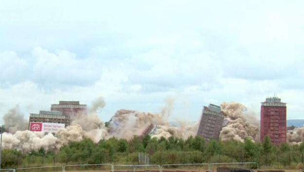 Video «Hochhaus-Sprengung in Glasgow» abspielen