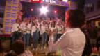 Video «Chor Burgdorf mit «Love Is In The Air»» abspielen