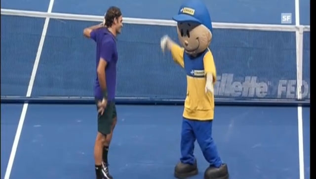 Tanzeinlagen von Federer und Tsonga während eines Show-Matches
