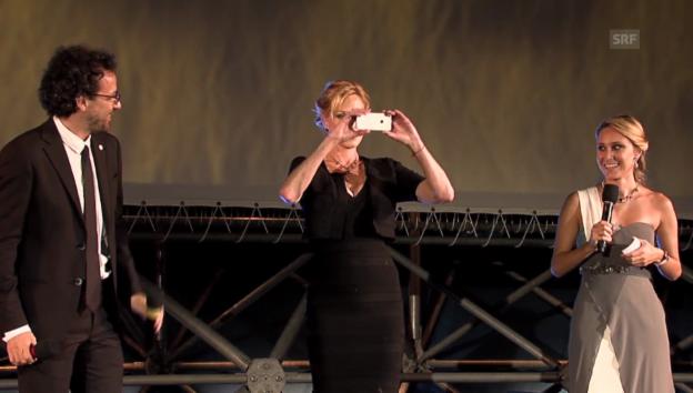Video «Melanie Griffith und ihr Auftritt in Locarno (unkommentiert)» abspielen