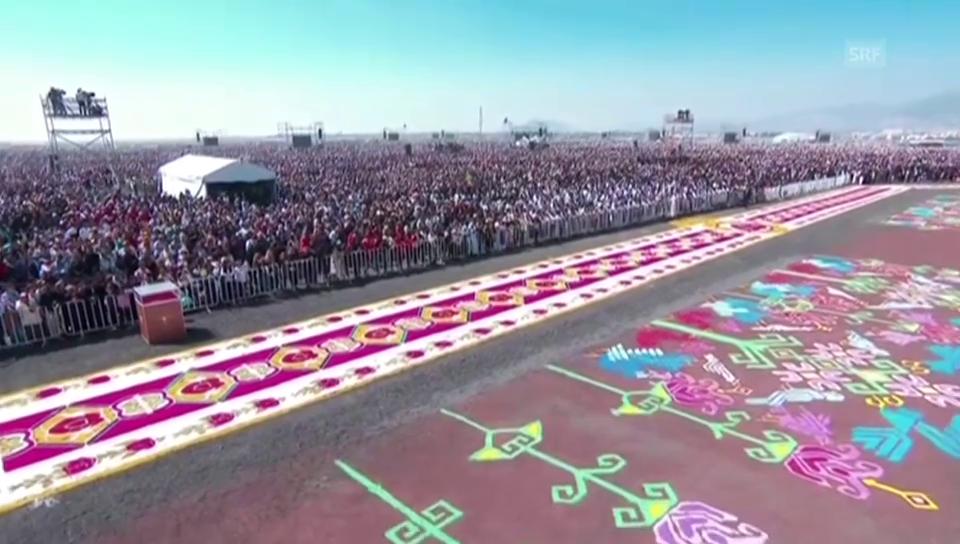 Papst hält Messe vor 300'000 Gläubigen in Mexiko