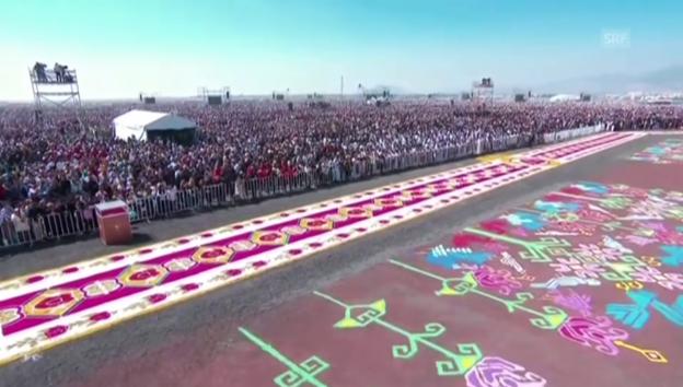 Video «Papst hält Messe vor 300'000 Gläubigen in Mexiko» abspielen