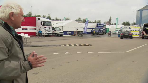 Video «Ein Rundgang im Motocross-Fahrerlager mit OK-Präsident Willy Läderach» abspielen