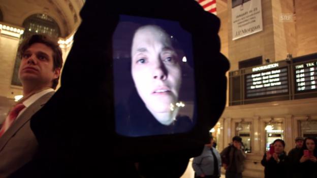 Video «Die Künstlerin Clarina Bezzola mit einer Performance an der Grand Central Station» abspielen