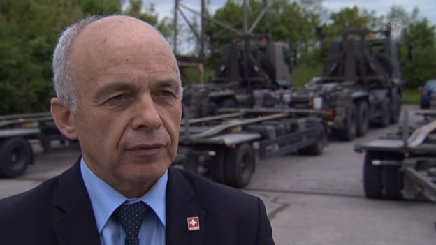 Video «Ueli Maurer zum Umbau der Armee» abspielen