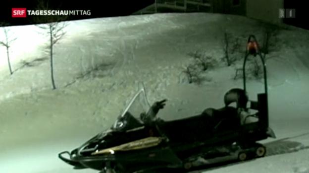 Video «Unfall mit Schneemobil in Italien» abspielen