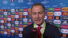 Video «Fussball: EM-Auslosung, Reaktion Albanien-Coach De Biasi» abspielen