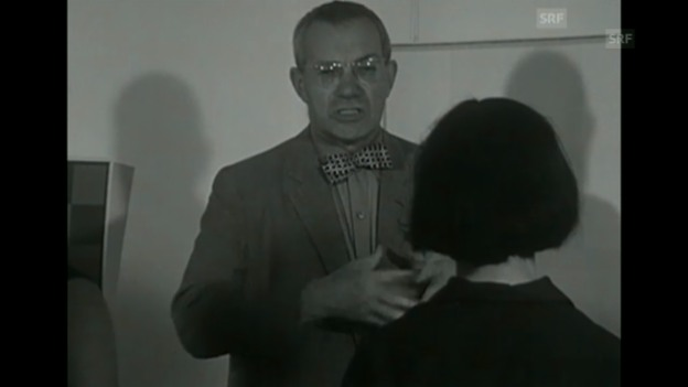 Video «Max Bill erklärt Schülern seine Kunst», «Antenne» vom 25.8.1965» abspielen