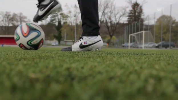 Video «Cubanito: How To Become A Better Footballer - Elia Fake Turn» abspielen