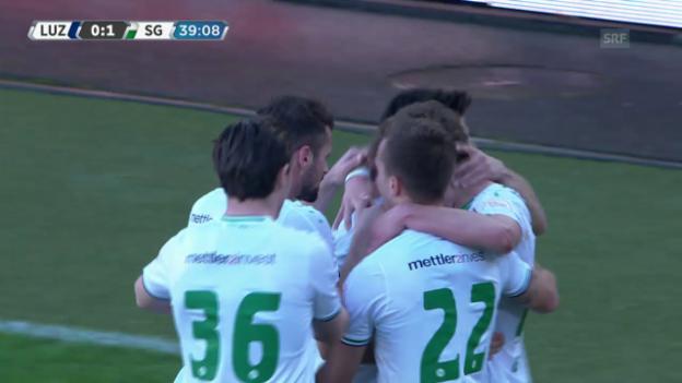 Video «St. Gallens Aleksic trifft kurz vor der Pause zur Führung» abspielen