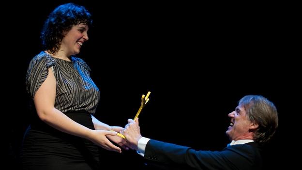 Massimo Rocchi ehrt Eugénie Rebetez