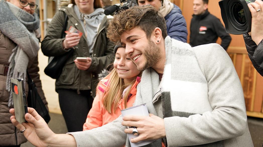 Luca Hänni: Selfies mit Fans für guten Zweck