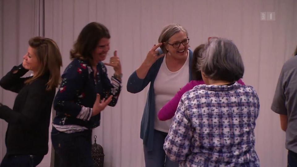 Mit alltagsnahen Szenen will Karin Jann es für die Teilnehmenden einfacher machen, lachen zu können.