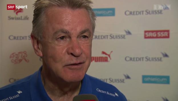 Video «Fussball: Medienkonferenz mit Ottmar Hitzfeld» abspielen