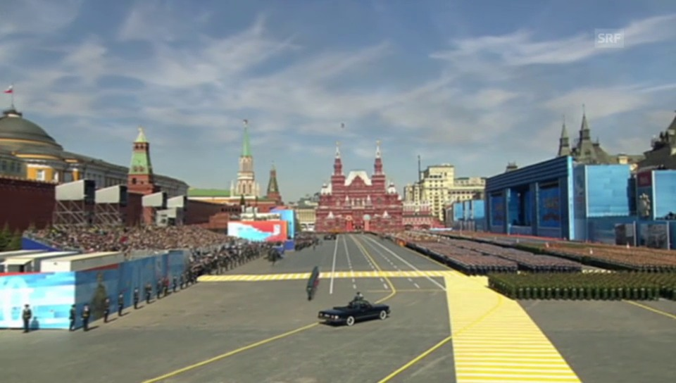 Militärparade in Moskau (ohne Kommentar)