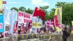Video «Hongkong lehnt Wahlreform ab» abspielen