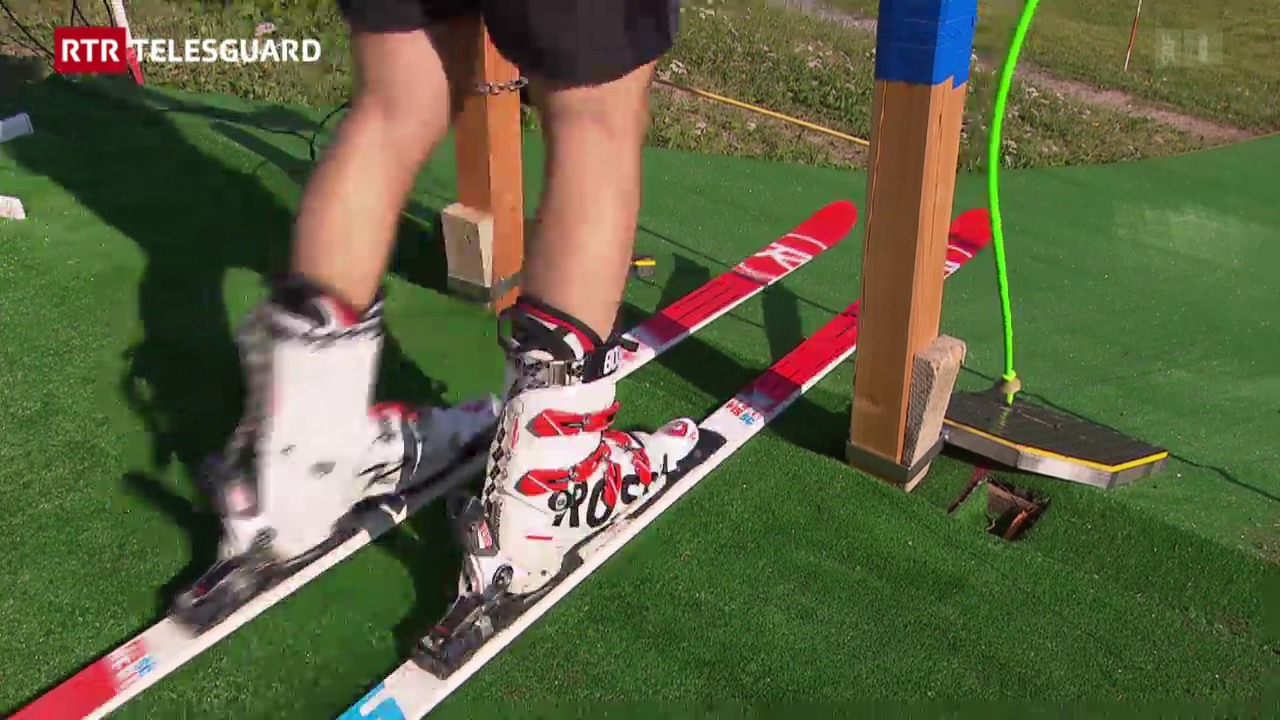 Il skiunz Carlo Janka tranescha sin in tepi da pastg
