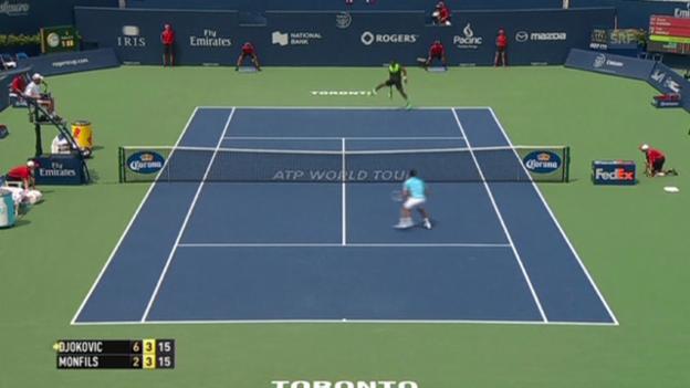 Video «Tennis: Gael Monfils mit Zauberschlag gegen Novak Djokovic» abspielen