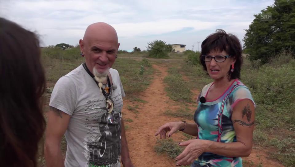 Gefesselt mit dem Bikini-Oberteil: Einbruch bei Teres und Claudio