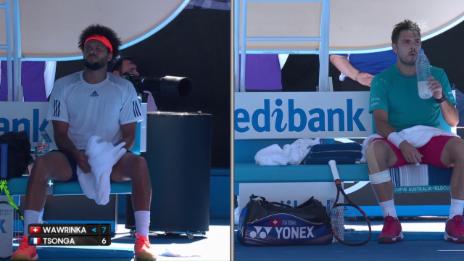 Link öffnet eine Lightbox. Video Trashtalk im Tennis? Tsonga und Wawrinka diskutieren heftig abspielen