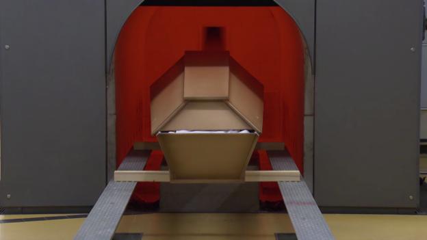 Video «Zahngold in Kremations-Asche: Umstrittenes Geschäft mit Toten» abspielen