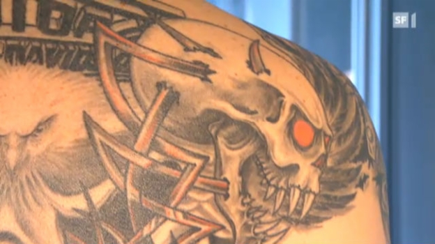 Video «Tattoo» abspielen