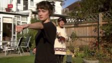 Link öffnet eine Lightbox. Video Flirt English: Pancakes and Karate (2/6) abspielen