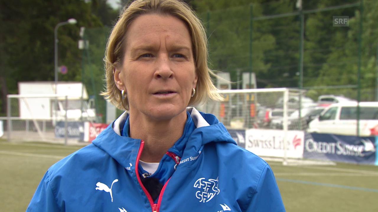 Fussball: Interview mit Voss-Tecklenburg
